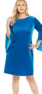 The limited bell Sleeve Velvet Dress